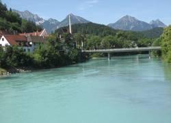 blick-auf-den-lech-und-die-tannheimer-berge