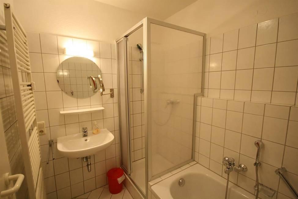 und Dusche