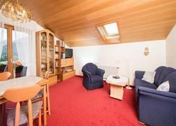 Fewo 1 Wohnzimmer / Essbereich / Balkon