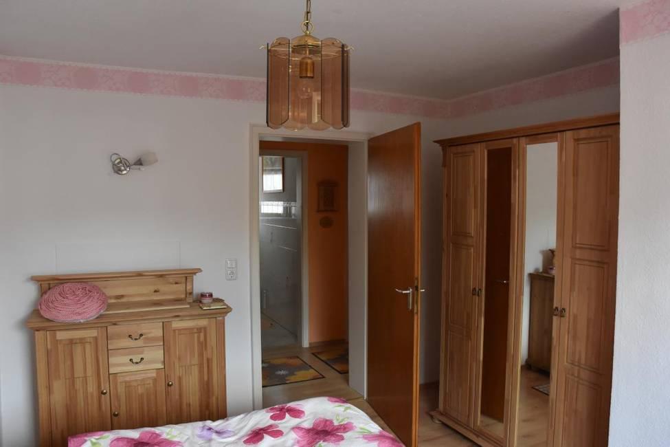 Schlafzimmer1-2