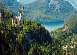 Schloß Neuschwanstein u. Hohenschwangau mit Alpsee