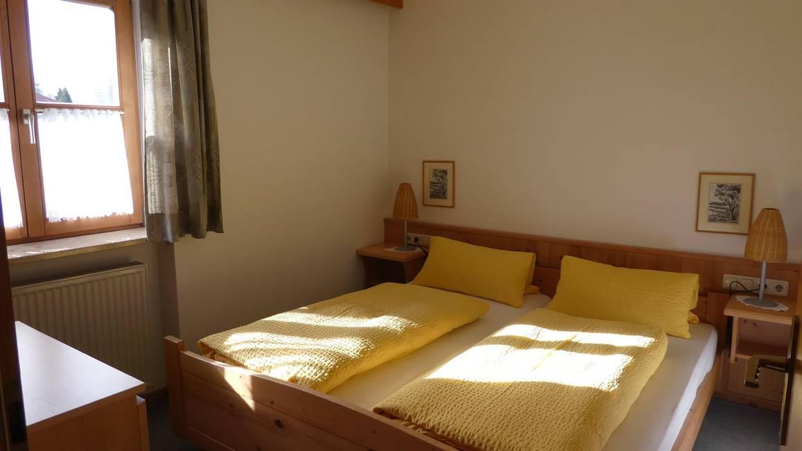 Whg. 3 - Schlafzimmer 1