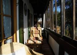 Verglaster Balkon im OG