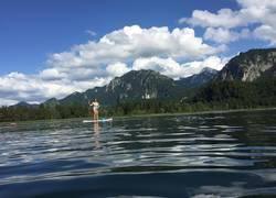 in der Königsloge: Stand Up Paddeling am Schwansee