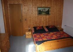 Schlafzimmer 1 m. Balkon