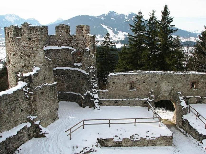 eine Wanderung in der Burgenregion