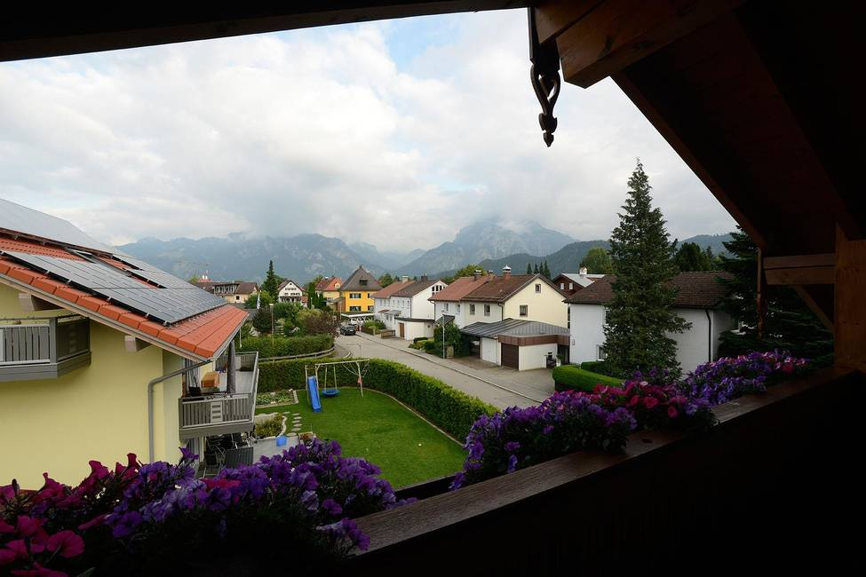Ost Balkon - Blick auf den Tegelberg3