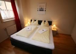 Schlafzimmer mit Box-Bett