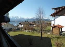 Balkon mit See-und Bergblick