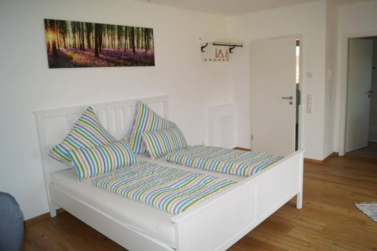 Wohnraum Bett 2