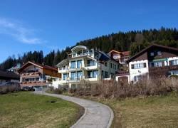 Villa außen - Blick vom See