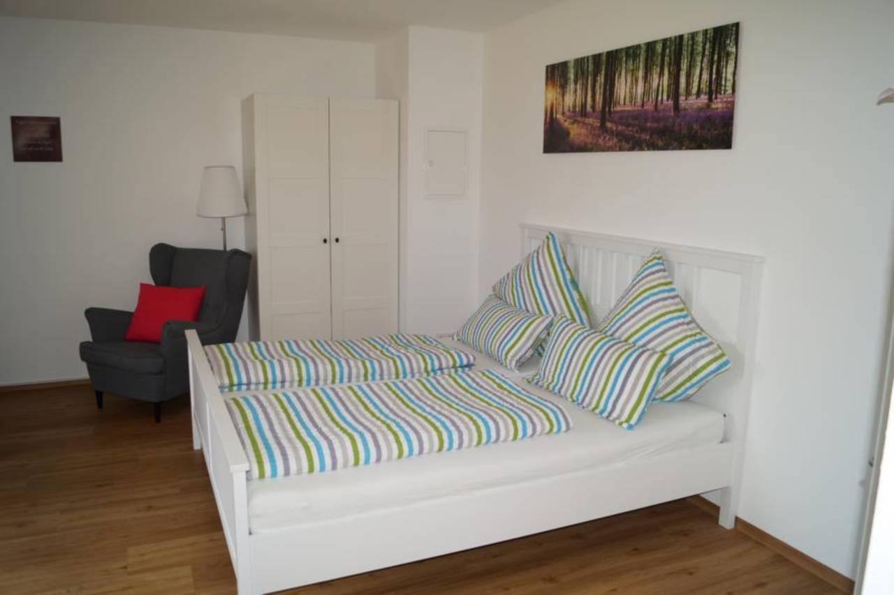 Wohnraum Bett 4
