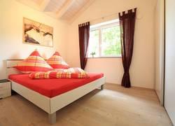 Schlafzimmer mit großem Schrank circa 13qm