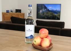 Unsere Begrüßung: Allgäuer Alpenwasser & Obst