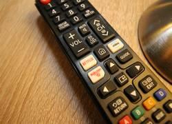 2xSmart-TV m. Netflix & Amazon Prime gg. Mehrpreis