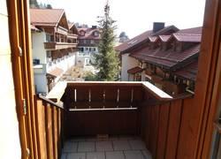 Kl. Balkon Blick auf Ferienanlage