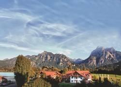 Außenansicht Hotel Sommer mit Schloss Neuschwanste
