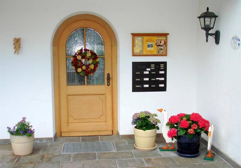 Hauseingang Rosa