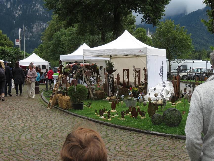 Kunsthandwerkermarkt nahe Neuschwanstein