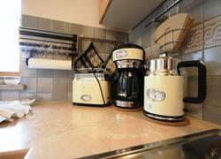 Küchenutensilien im 50er Flair