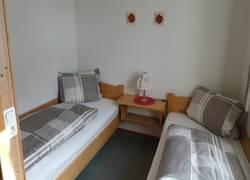 Whg. 3 - Schlafzimmer 2