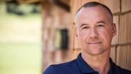 Diplom-Psychologe Sascha Maurer aus Füssen im allgäu bietet Online-Schlaf-Coaching an