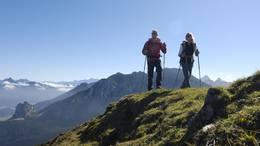 Alpine Wanderung am Breitenberg bei Pfronten.